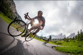 บริษัท เวิลด์ไวด์ คอนเนคชั่นและแคนนอนเดล  ความร่วมมือครั้งสำคัญแห่งวงการจักรยาน